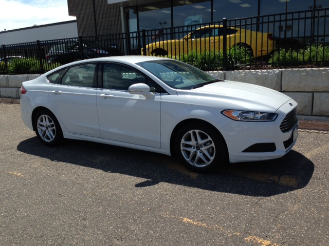 Ford Fusion - Mid-size Sedan Rental